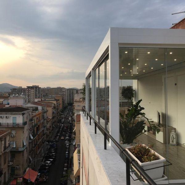 Installazione di Pergola Med Joy in un Attico di Palermo